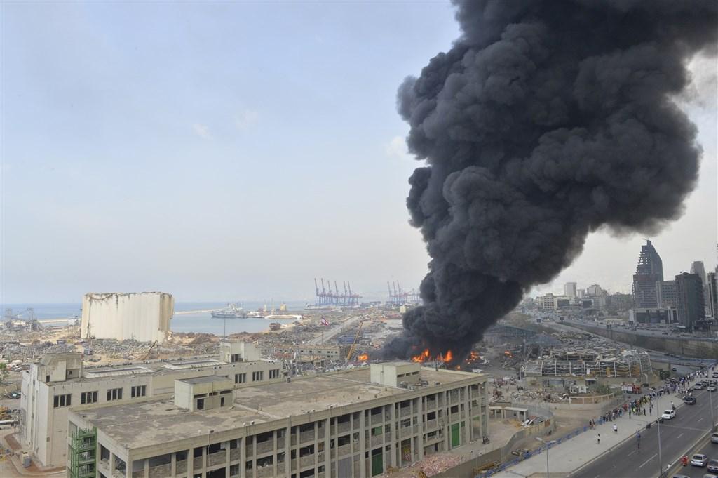 黎巴嫩首都貝魯特8月才發生大爆炸,港區10日又發生一場大火。(安納杜魯新聞社)