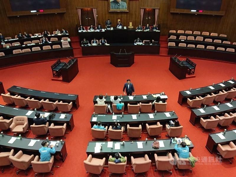 立法院長游錫堃14日主持朝野黨團協商達成共識,立法院新會期18日開議。(中央社檔案照片)
