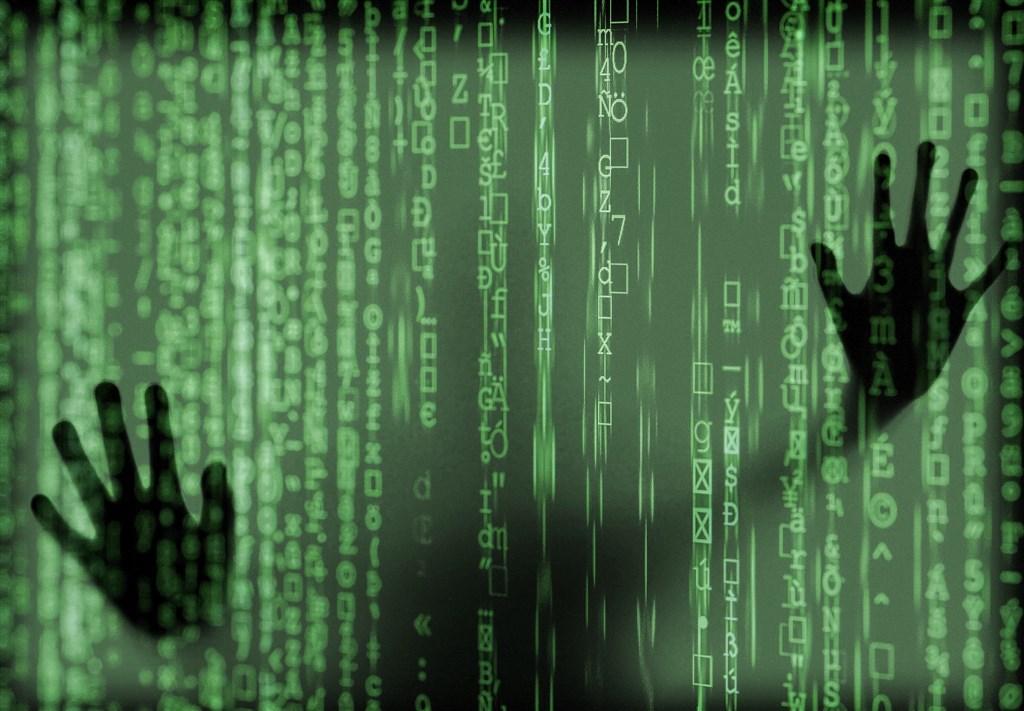 深圳企業振華數據遭披露已建立一個全球名人資料庫,學者表示,這顯示中國有野心建立一個「擴及全球、專制的科技監控國家」。(圖取自Pixabay圖庫)
