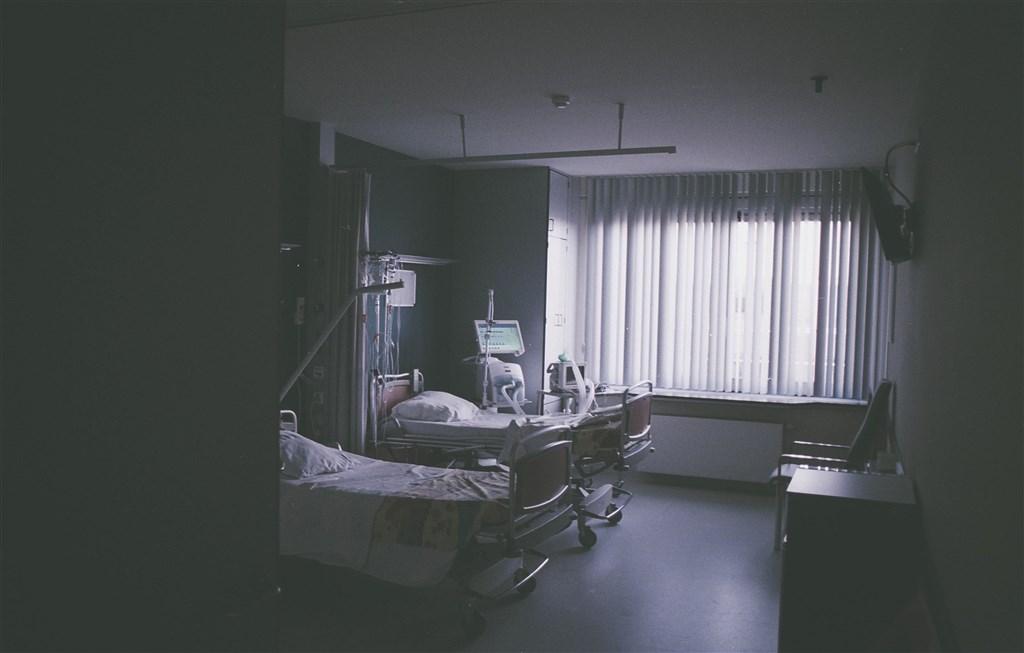 患有先天性心臟病的台中市烏日國小楊姓男童,近4年前在學校跑步後昏倒,送醫後成植物人。(示意圖/圖取自Pixabay圖庫)