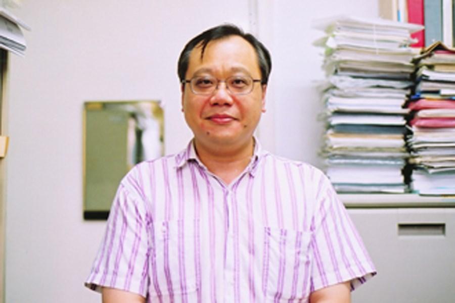 媒體報導,有意參與台灣科技大學校長遴選的李篤中,被爆出曾受聘中國「長江學者」。(圖取自台大化工系網頁che.ntu.edu.tw)