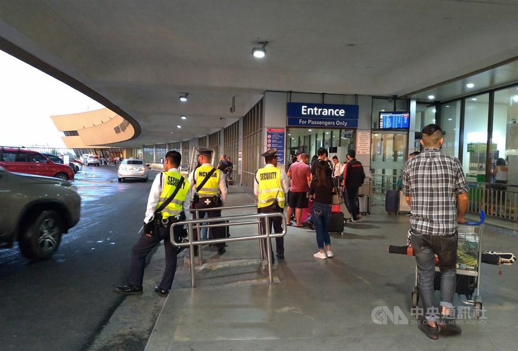 中央流行疫情指揮中心16日宣布,6名從台灣返回菲律賓民眾入境被檢出武漢肺炎陽性,台灣已展開疫調。圖為馬尼拉國際機場一景。(中央社檔案照片)