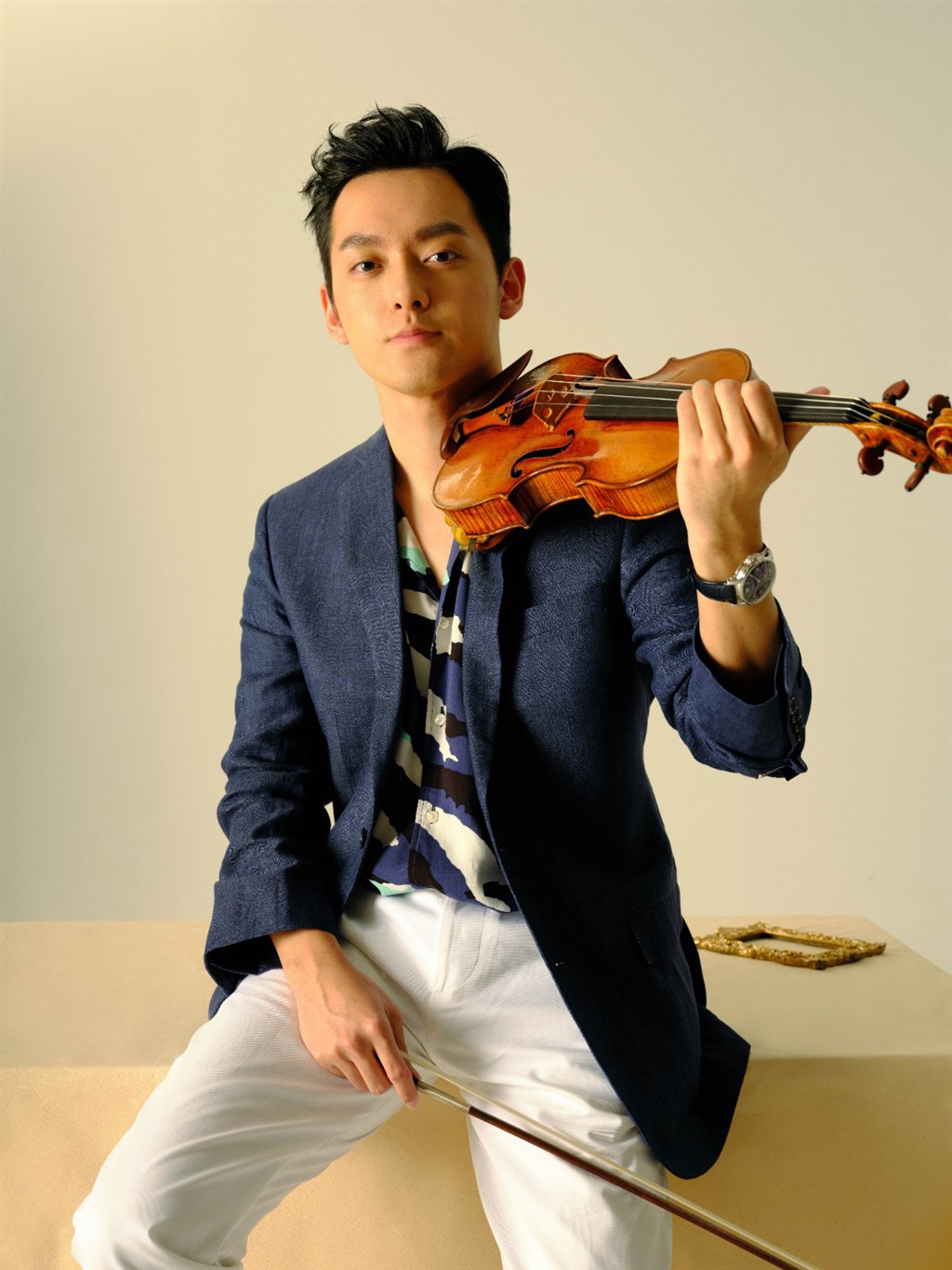 第58屆十大傑出青年當選名單17日揭曉,小提琴家曾宇謙獲得文化及藝術類獎項。(圖取自facebook.com/YuchienTseng.violin)