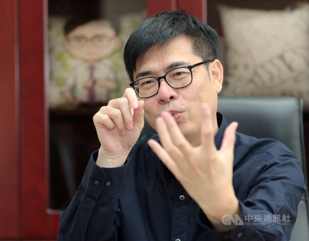 前行政院副院長陳其邁在去年底武漢肺炎疫情初起時,啟動跨部會防疫,在關鍵時刻,帶領防疫團隊數度化解危機。圖為他接受中央社專訪時的資料照。(中央社記者張皓安攝)