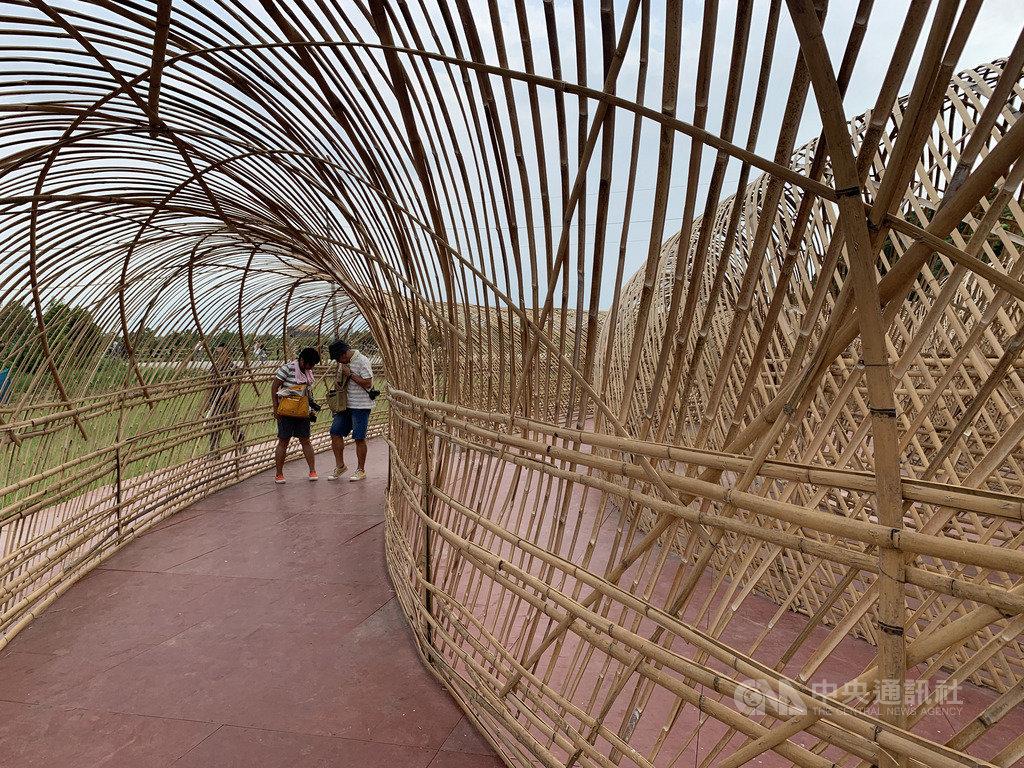 2020桃園地景藝術節以「竹」為題,邀請51名國內外藝術家共同創作28組藝術作品,展期17天,18日開跑至10月4日結束。中央社記者葉臻攝 109年9月18日