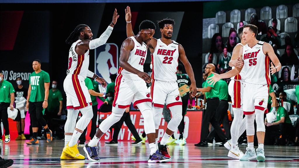 NBA美國職籃邁阿密熱火18日克服最多17分落後,終場106比101逆轉擊敗波士頓塞爾蒂克,在東部決賽取得2比0領先。(圖取自twitter.com/MiamiHEAT)
