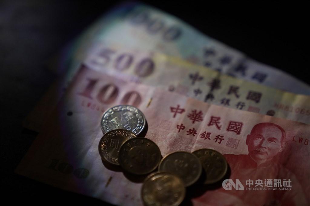 新台幣兌美元18日開盤價為29.30元,最高29.017元、最低29.30元。(中央社檔案照片)