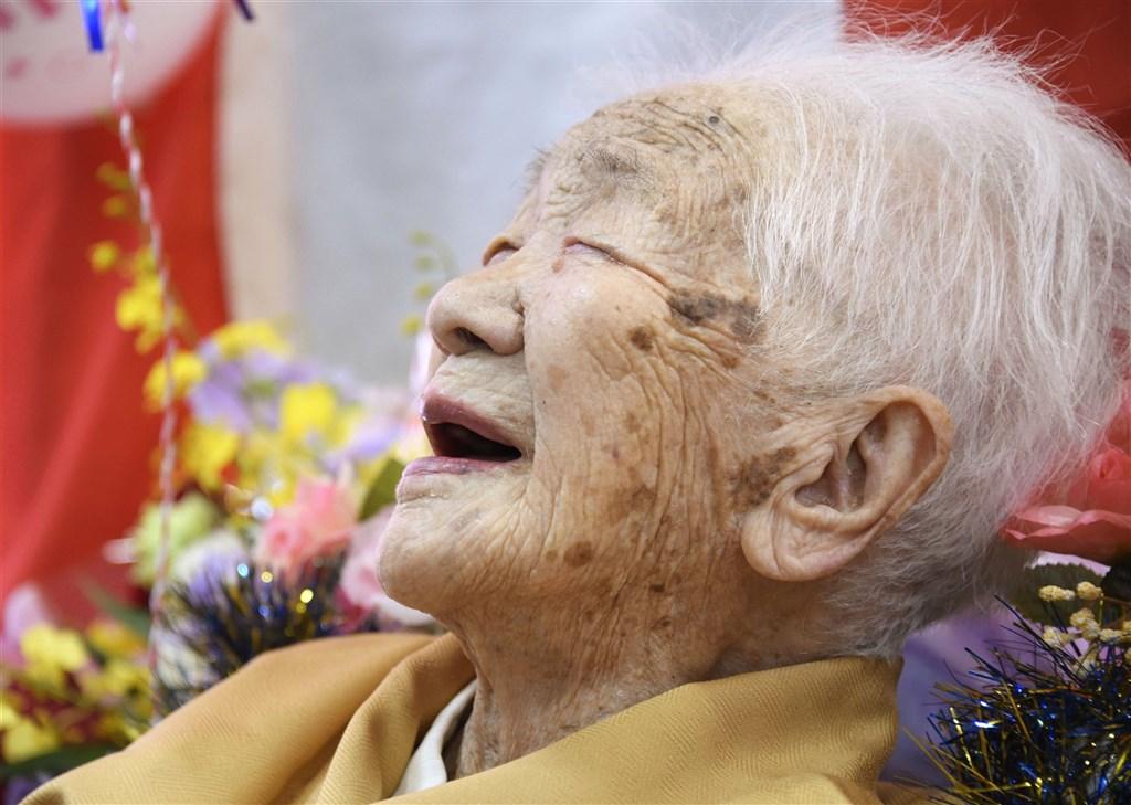 日本人瑞田中加子19日以117歲又261天,刷新原先由田島鍋創下117歲又260天最年長的日本紀錄。(共同社)
