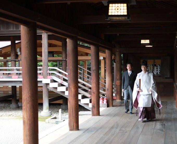 日本前首相安倍晉三19日貼文表示,他已赴靖國神社向「英靈」報告卸任首相。(圖取自twitter.com/AbeShinzo)