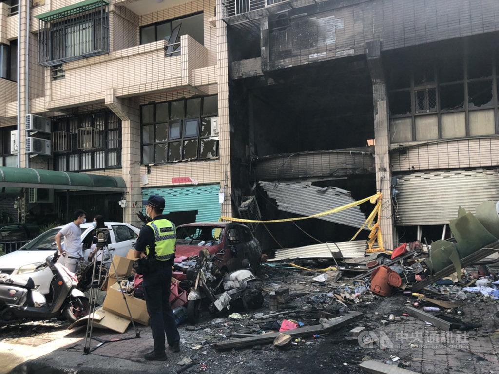 台中市東海商圈一處民宅19日發生氣爆,造成4死1傷,檢方不排除是人為因素,台中市消防局20日表示,火調報告約在15天內出爐。中央社記者趙麗妍攝 109年9月20日
