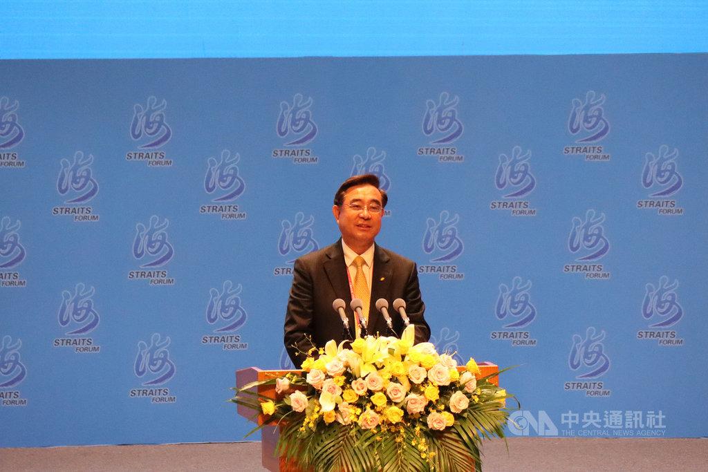 新黨主席吳成典20日在第12屆海峽論壇大會開幕式上致辭。他說,之所以排除一切障礙前來,是因為相信「戰爭無情、和平無價」。中央社記者張淑伶廈門攝  109年9月20日