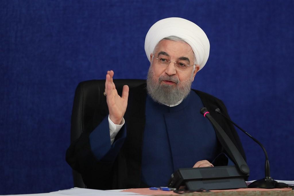 美國19日單方面宣布,將重行實施聯合國對伊朗的制裁,並誓言懲處不配合制裁行動的聯合國會員。圖為伊朗總統羅哈尼。(安納杜魯新聞社)