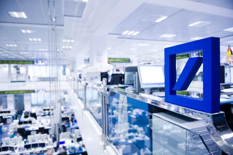 媒體披露德意志銀行涉及洗錢後,德意志銀行的股價在21日午盤重挫逾8%。(圖取自facebook.com/DeutscheBank)