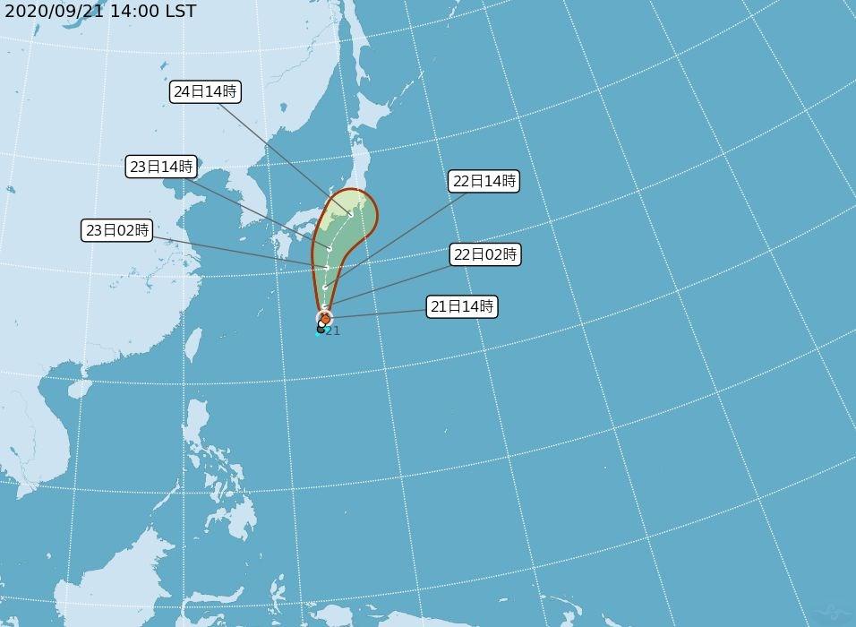 中央氣象局21日下午2時正式發布颱風白海豚形成訊息,預測向日本方向移動,對台灣無影響。(圖取自中央氣象局網頁cwb.gov.tw)