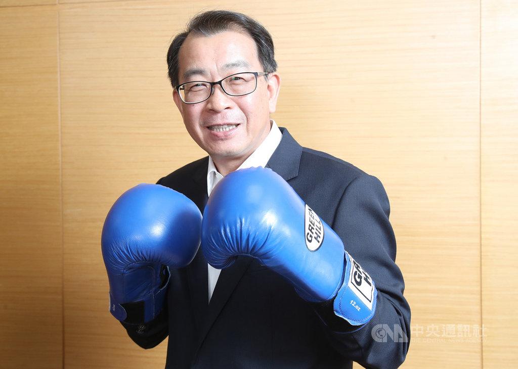 1日上任的體育署長張少熙,過去是拳擊選手出身。受到2019冠狀病毒疾病(COVID-19,武漢肺炎)疫情影響,原訂7月登場的2020東京奧運延後一年舉行,賽會延後對選手的衝擊,張少熙感同身受,他坦言,穩定軍心是目前頭號課題。中央社記者張新偉攝 109年9月22日
