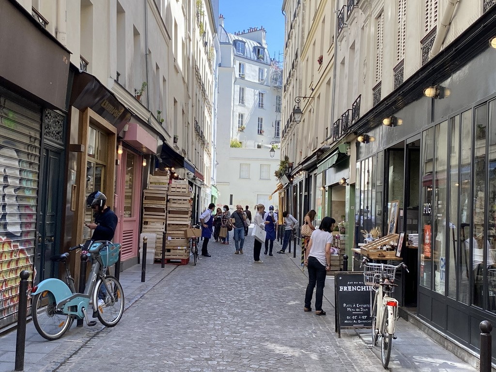 法國當局22日通報,境內過去24小時新增1萬零8人確診感染武漢肺炎,累計確診攀升至46萬8069例。(中央社檔案照片)