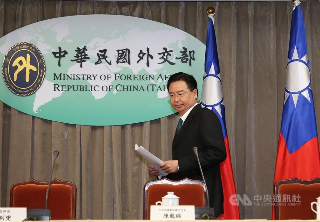 外交部長吳釗燮20日接受NPR專訪時表示,台美關係近來大有進展,但目前不尋求建立全面外交關係。(中央社檔案照片)