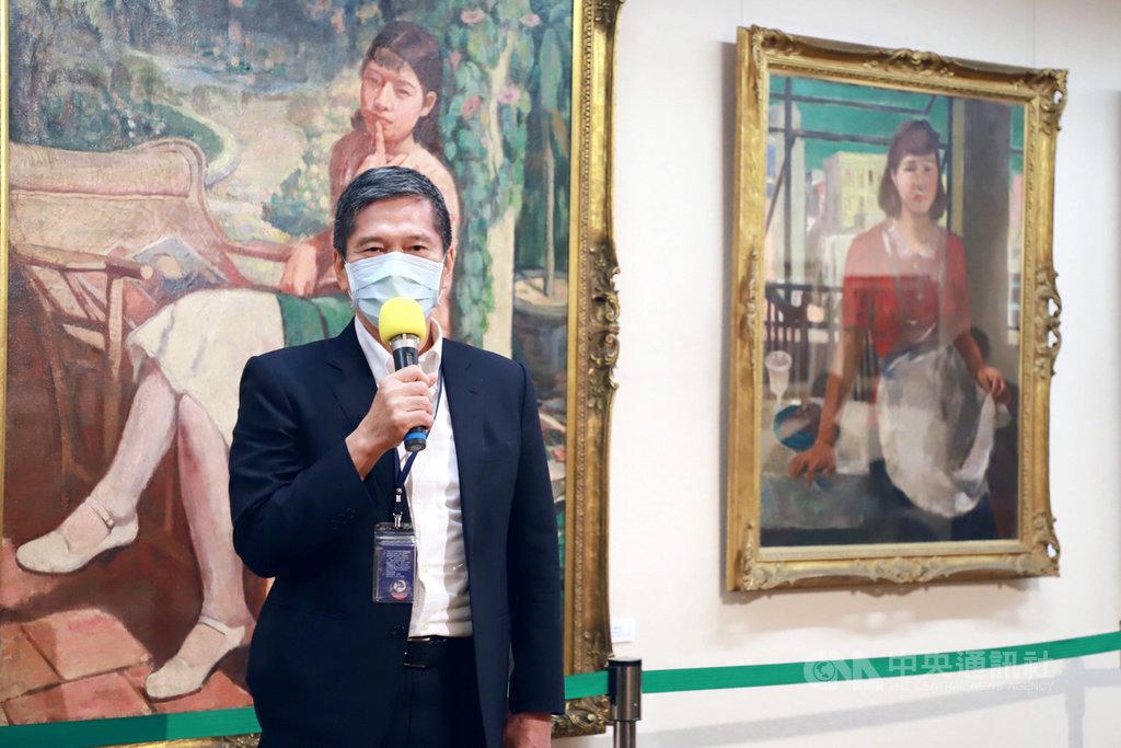 文化部長李永得26日出席2020梅樹月「繁花盛開 美術史裡的『三國演繹』」開幕式,他表示,透過展覽看到台灣美術的發展及傳承,不僅是美術界的盛事,更寫下台灣美術史上重要的一頁。(文化部提供)中央社記者鄭景雯傳真 109年9月26日