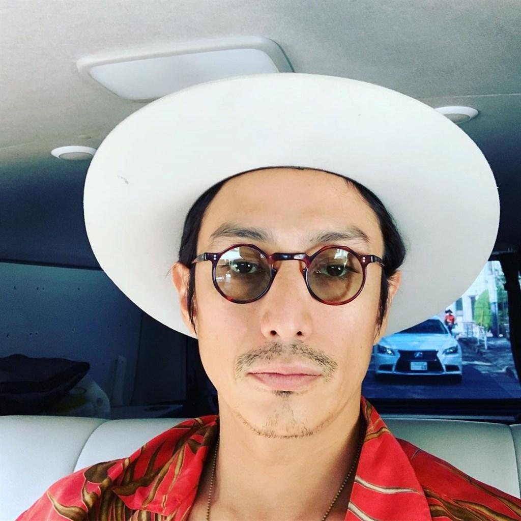 日本知名男星伊勢谷友介8日持有大麻遭逮捕,29日因違反大麻取締法遭檢方起訴。(圖取自instagram.com/iseya_yusuke)