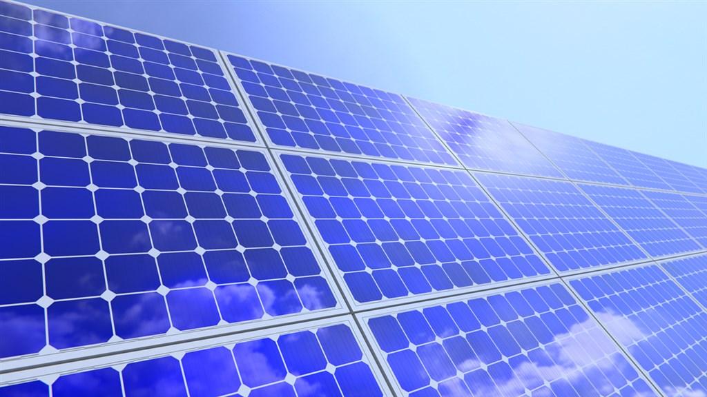 配合太陽光電政策,國產署28日推出4宗大面積國有地標租案,分別位於新北樹林、台中清水、新竹市及屏東林邊。(示意圖/圖取自Pixabay圖庫)