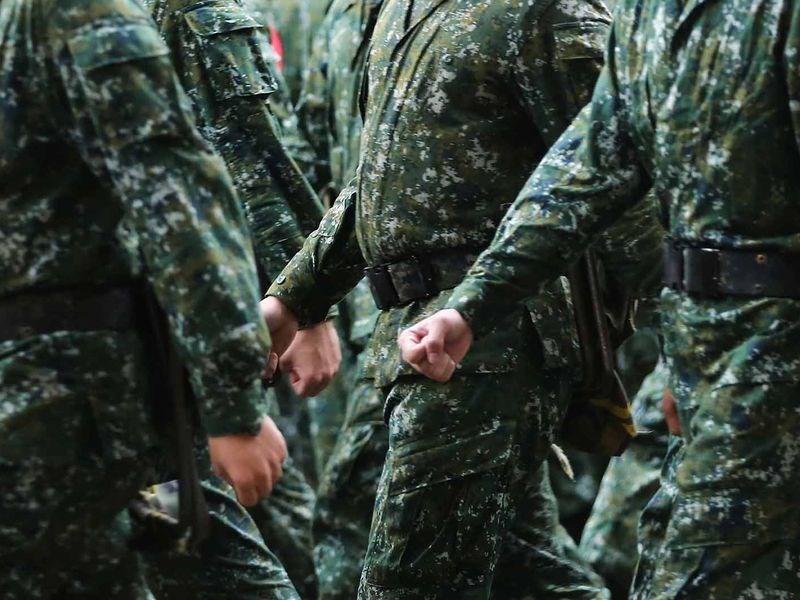 軍方人士29日晚間表示,根據初步方案,後備教育召集明年擬更改為1年1訓,一次14天,但全案仍規劃中,尚未定案。(示意圖/中央社檔案照片)