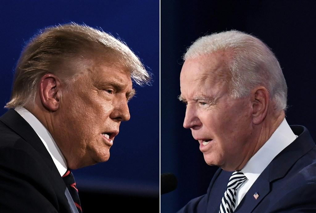 美國總統川普(左)確診武漢肺炎,他的競選對手、民主黨籍總統候選人拜登(右)2日說,這凸顯了嚴肅看待疫情的重要性,戴口罩比「當硬漢」重要多了。(法新社)