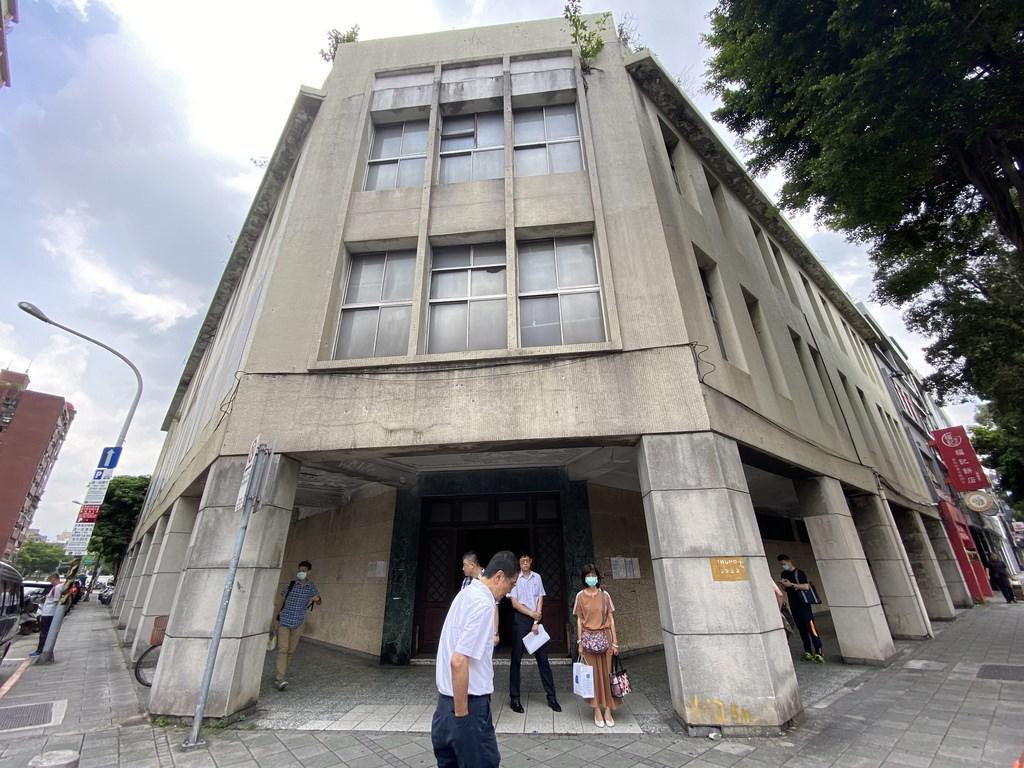 監察院1日指出,位於台北市忠孝東路2段1號的「昭和樓」研議修復後做為人權委員會辦公廳舍。(台北市文化局提供)
