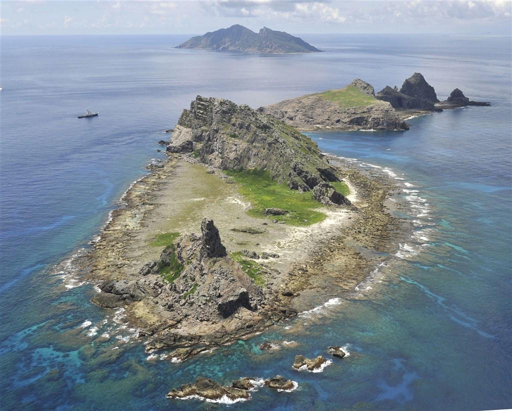 日本沖繩縣石垣市公所今天完成行政程序,將釣魚台列嶼(圖)地址更名為「石垣市登野城尖閣」。外交部表示,已於第一時間透過外交管道向日方表達遺憾及嚴正抗議。(共同社)