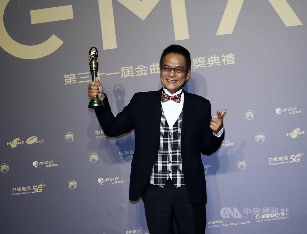 第31屆金曲獎3日晚間在北流盛大舉行頒獎典禮,今年特別貢獻獎得主、「台灣鼓王」黃瑞豐親自出席領獎。中央社記者王騰毅攝 109年10月3日