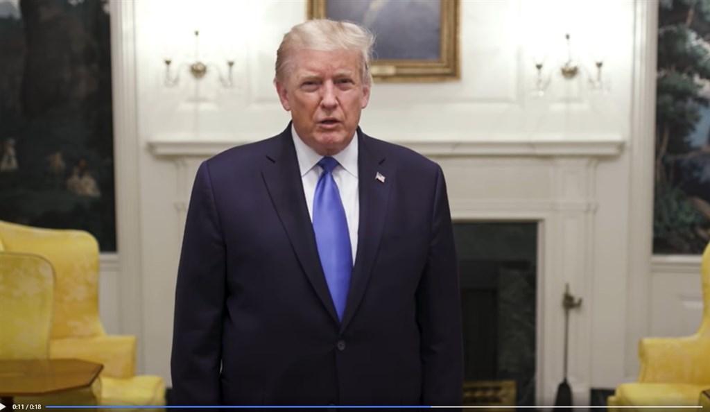 美國總統川普(圖)感染武漢肺炎,正接受觀察及治療。他入院後首度推文說,他感覺很好;白宮醫師表示,川普已展開抗病毒藥物「瑞德西韋」療程。(圖取自facebook.com/DonaldTrump)