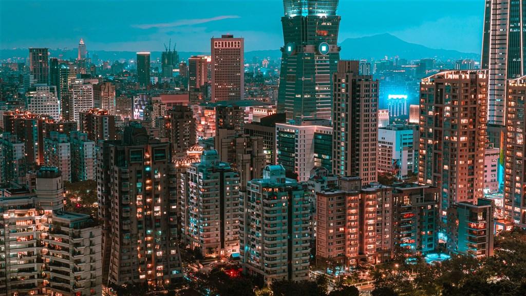 根據住展雜誌統計,截至今年9月底,雙北地區預售屋建案多達214個,占整體建案78%,創歷史新高。圖為台北市市容。(圖取自Unsplash圖庫)