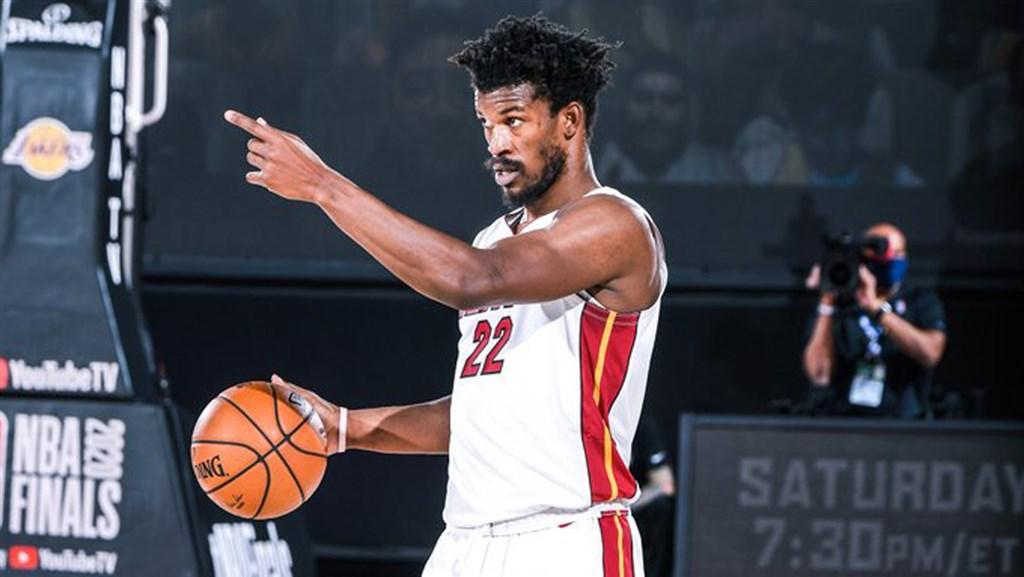 美國職業籃球聯盟邁阿密熱火隊10日以111比108擊敗洛杉磯湖人隊,於7戰4勝制的總冠軍系列賽扳回一城。圖為熱火隊巴特勒。(圖取自twitter.com/MiamiHEAT)