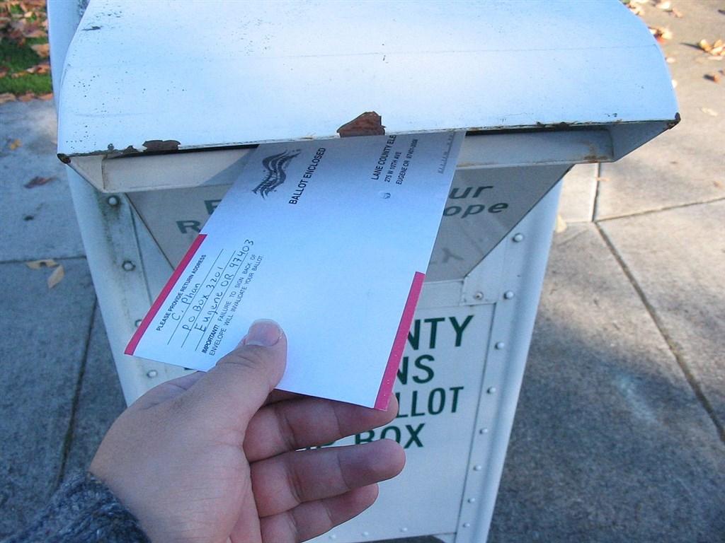 美國總統大選時程逼近,郵寄選票卻疑慮仍多。(圖取自維基共享資源;作者Chris Phan,CC BY-SA 3.0)
