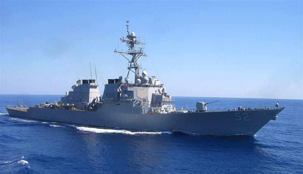 美軍證實飛彈驅逐艦貝瑞號21日航行經過台灣海峽。(圖取自facebook.com/DDG52)