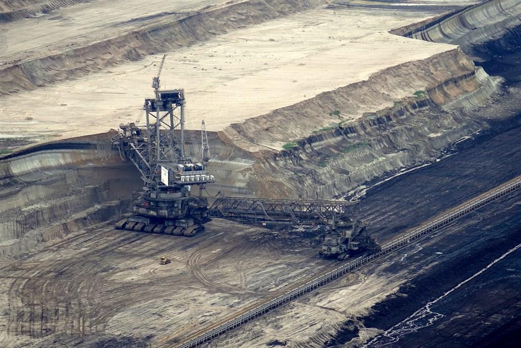 中國與澳洲的貿易爭端不斷惡化,被視為經濟支柱之一的煤炭也受波及。(示意圖/圖取自Pixabay圖庫)