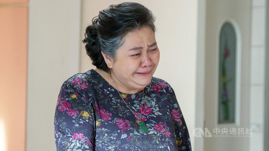 公視戲劇「我的婆婆怎麼那麼可愛」最新一集,收視率高達4.7,刷新公視開台22年連續劇單集收視最高紀錄。鍾欣凌(圖)飾演的彩香一哭,電視機前的觀眾也跟著掉淚。(公視提供)中央社記者葉冠吟傳真 109年10月19日