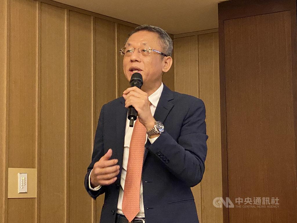 體感設備廠智崴20日舉行法人說明會,董事長歐陽志宏表示,智崴在高階市場占有率已達85%,在新專案挹注下,明年有機會突破90%。中央社記者吳家豪攝 109年10月20日