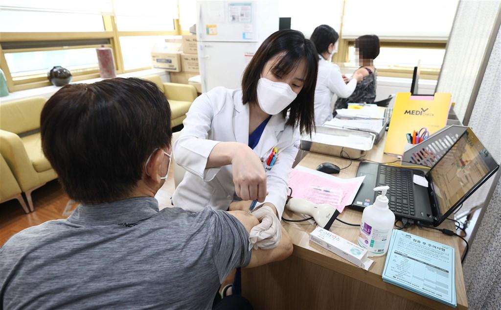 韓國疾病管理廳31日表示,迄今共有83人在接種季節性流感疫苗後死亡,死者多半是老年人。(韓聯社)