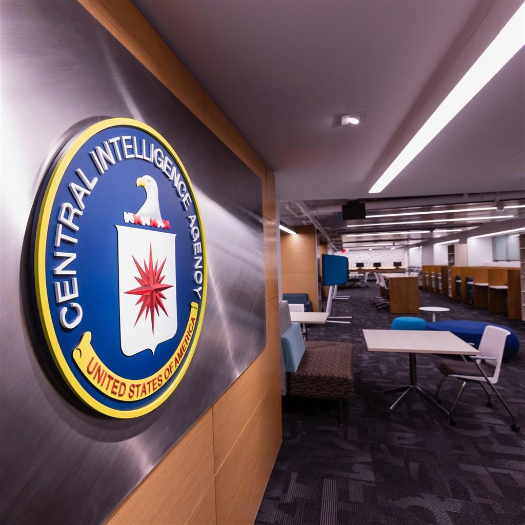 曾任美國中情局高級官員的波利梅洛普洛斯表示,他與數十名派駐海外的美國外交官、中情局(CIA)特工及美國政府雇員,都遭到秘密裝置鎖定攻擊,CIA的調查指向俄羅斯是罪魁禍首。(圖取自facebook.com/Central.Intelligence.Agency)