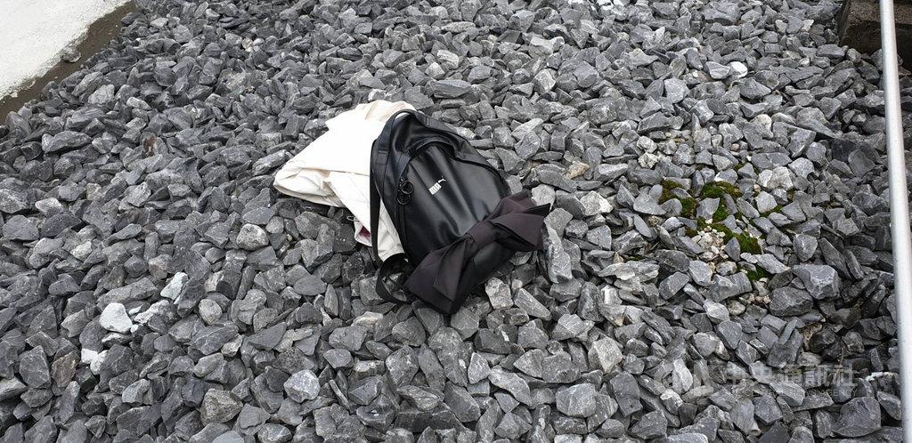一名30多歲女子24日疑自貓纜動物園站4樓平台墜落,當場無呼吸心跳,台北市政府消防局獲報後立即協助送往萬芳醫院搶救。(翻攝照片)中央社記者黃麗芸傳真 109年10月24日