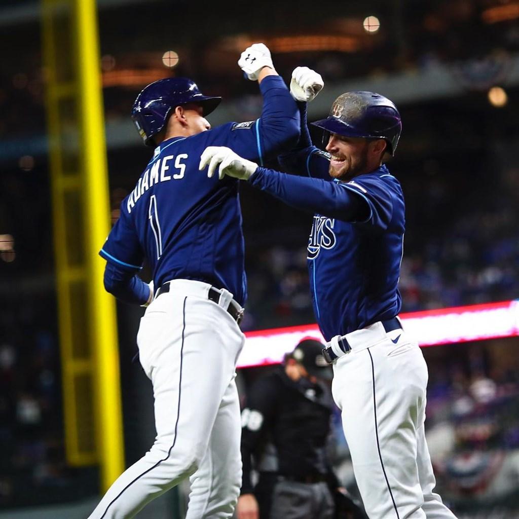 MLB光芒24日擊敗道奇,兩隊在世界大賽2比2戰平。(圖取自instagram.com/raysbaseball)