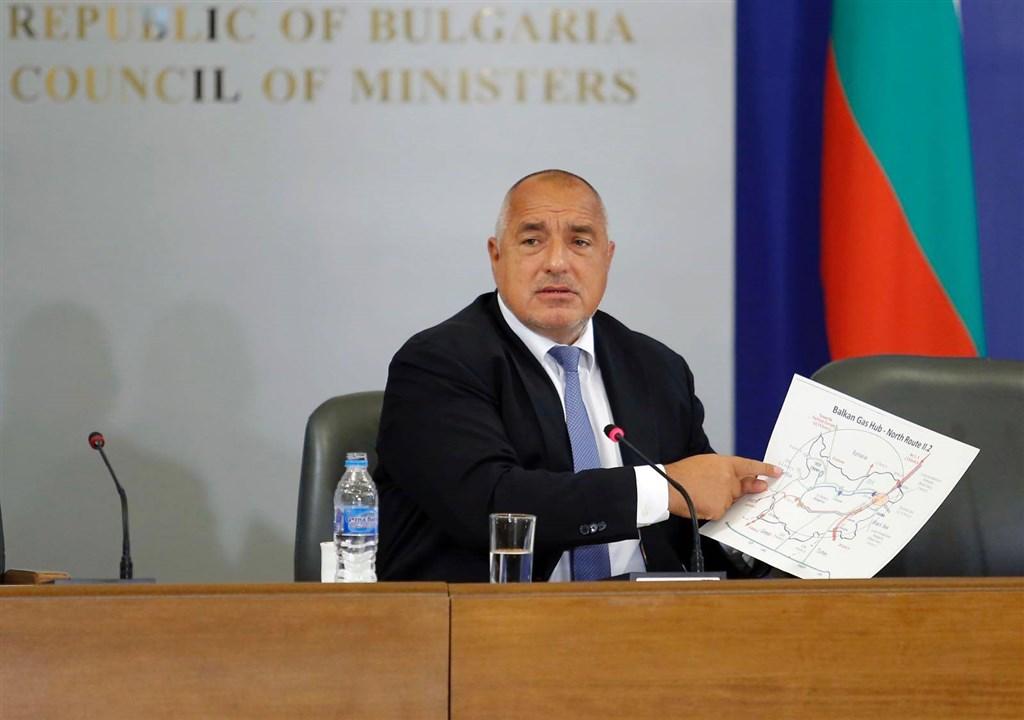 武漢肺炎疫情持續肆虐全球,保加利亞總理巴里索夫25日宣布確診,但聲稱自己的病症輕微。(圖取自facebook.com/boyko.borissov.7)