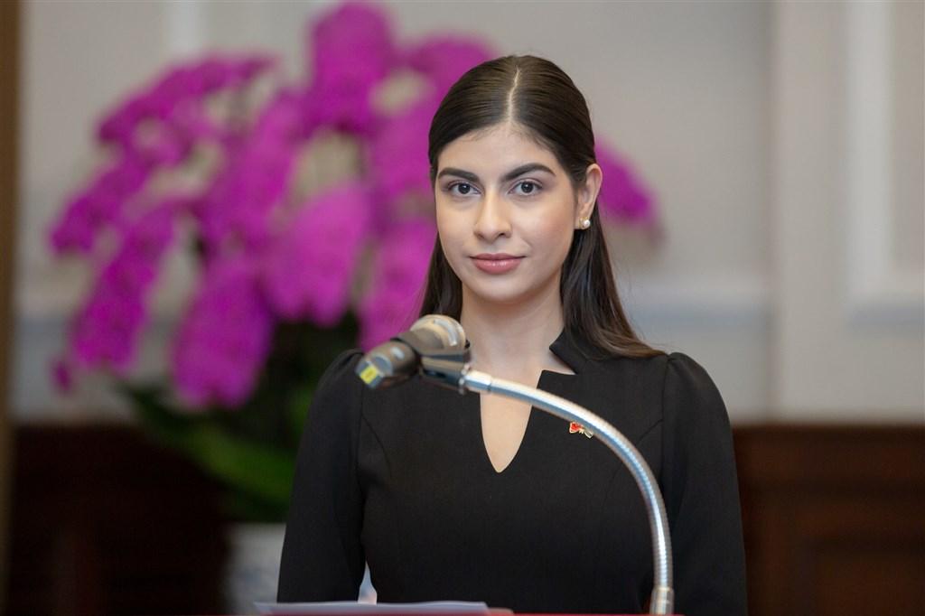 尼加拉瓜新任駐台特命全權大使李蜜娜(圖)26日向總統蔡英文呈遞到任國書,總統表示,李蜜娜曾是台灣獎學金的受獎生。(總統府提供)