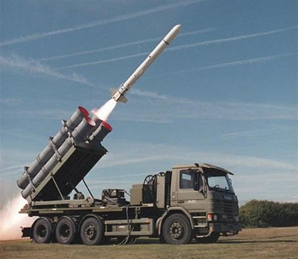 美國政府26日再度宣布對台軍售,將售台100枚魚叉反艦飛彈,總額約23.7億美元。(圖取自twitter.com/BoeingDefense)