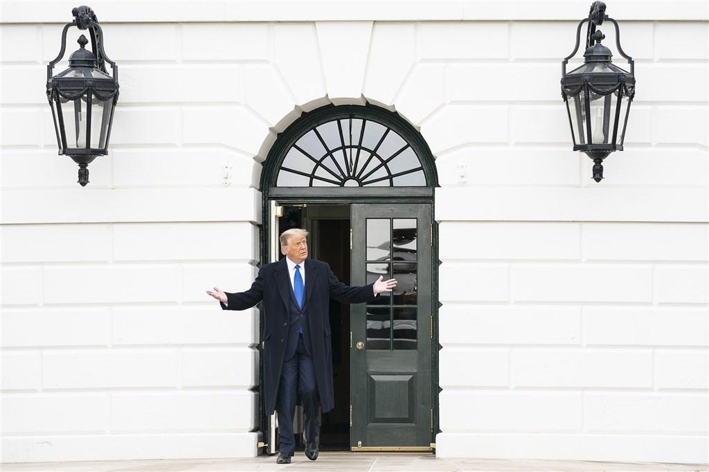 美國總統川普的競選陣營表示,他們的官方網站遭27日稍早遭人破壞,目前正配合執法單位調查攻擊來源。(圖取自Flickr,版權屬公眾領域)