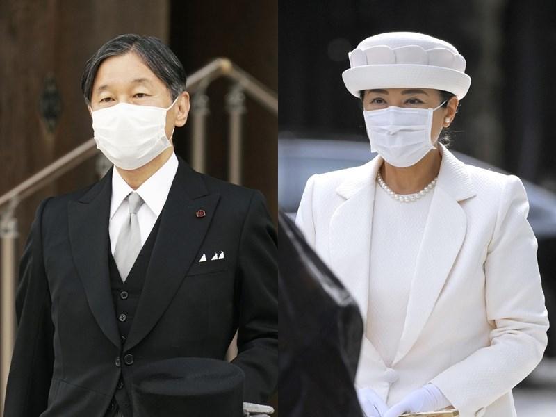 日本明治神宮創立至今屆滿百年,日皇德仁(左)28日跟皇后雅子(右)前往參拜,是進入令和年代後的第一次。(共同社)