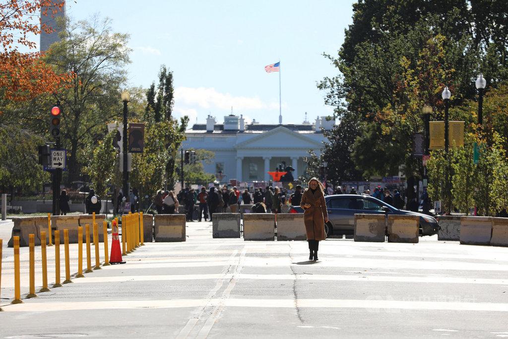 受全球矚目的美國大選將在3日正式登場,白宮未來4年主人是誰將揭曉。中央社記者徐薇婷華盛頓懾  109年11月3日