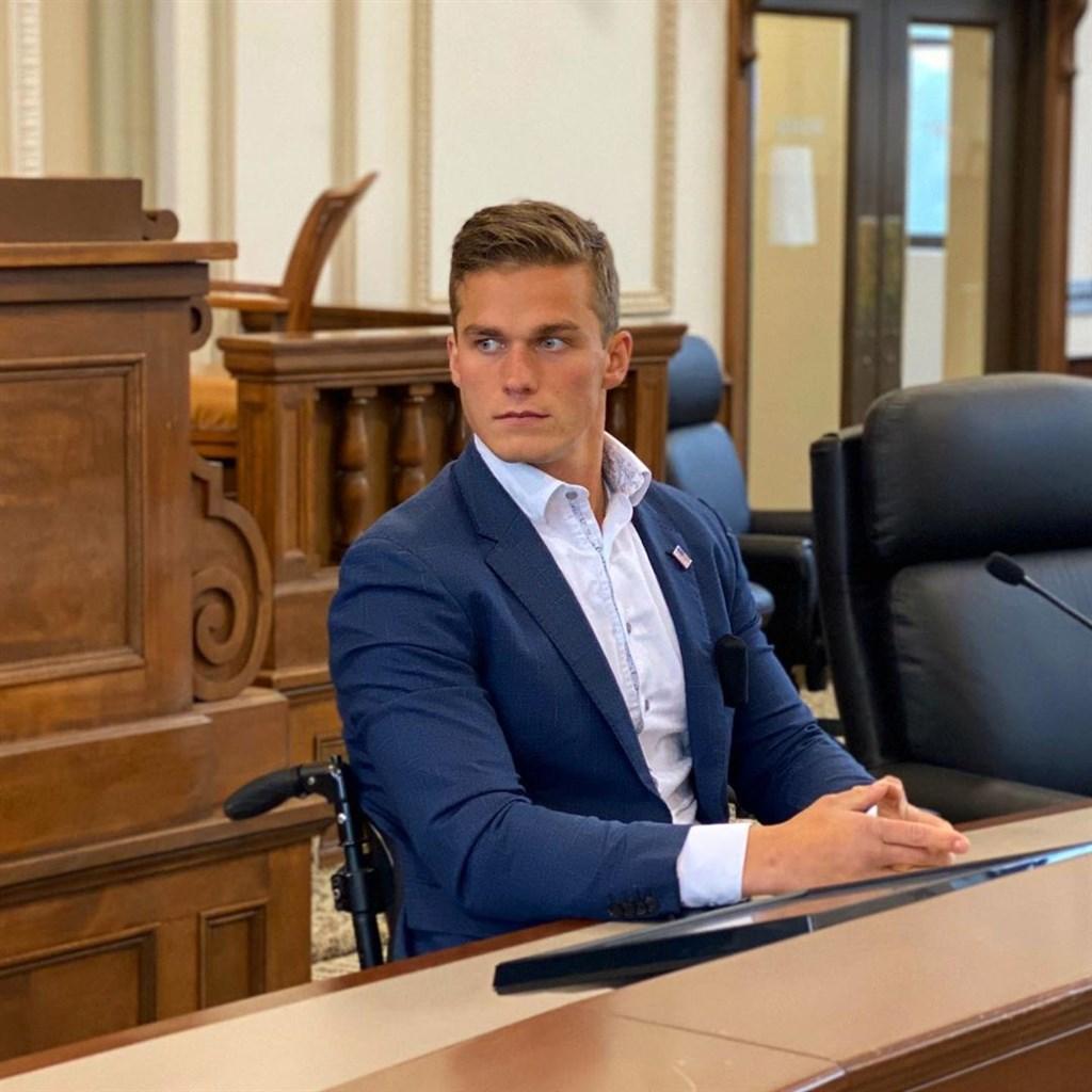 25歲的北卡羅萊納州共和黨聯邦眾議員候選人科索恩勝選,成為美國逾200年來最年輕的眾議員。(圖取自instagram.com/madisoncawthorn)