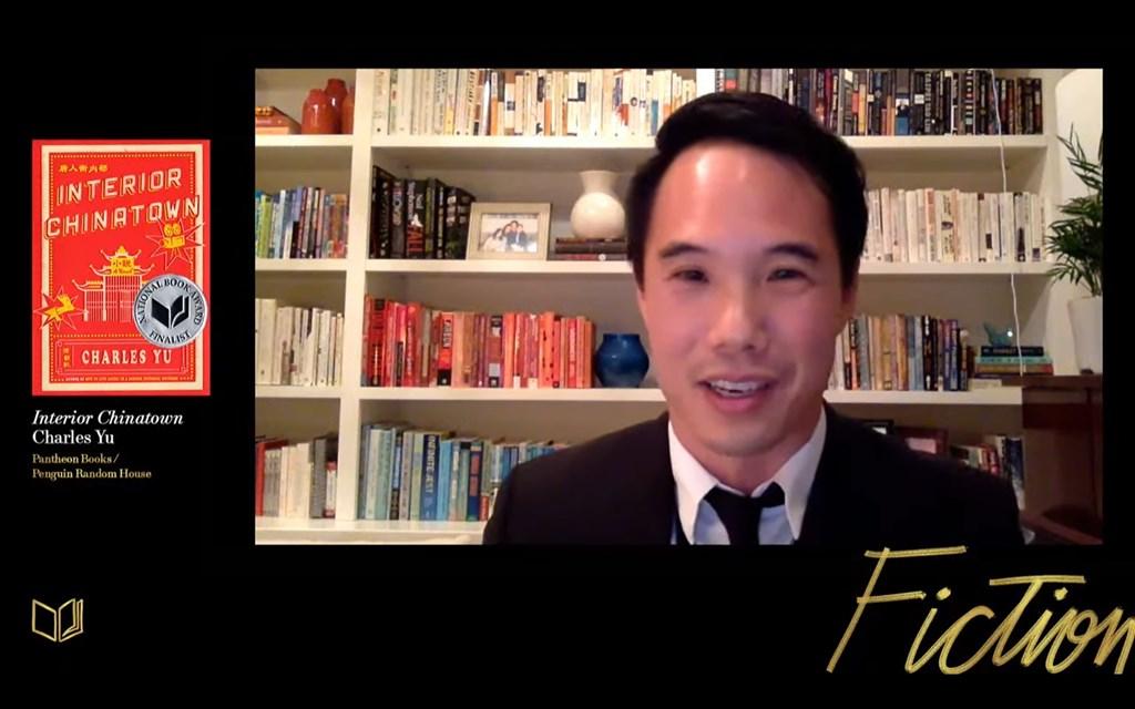 美國台裔小說家游朝凱的諷刺小說「唐人街內部」18日獲頒美國國家圖書獎的小說類獎。(圖取自美國國家圖書基金會YouTube頻道網頁youtube.com)