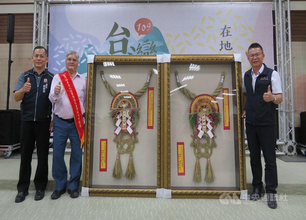 農糧署南區分署20日在高雄區農改場舉辦「109年台灣在地良質米推廣活動」,並表揚今年台灣稻米達人冠軍賽得獎人及輔導單位。(農糧署提供)中央社記者郭芷瑄傳真 109年11月20日